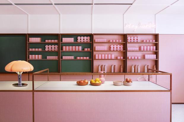 Розовая закусочная в Лондоне (фото 0)
