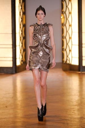 Показ  коллекции сезона Осень-зима 2012-2013 года Haute couture - www.elle.ru - Подиум - фото 403425