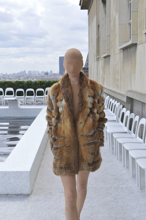 Показ Maison Martin Margiela коллекции сезона Осень-зима 2009-2010 года haute couture - www.elle.ru - Подиум - фото 88126