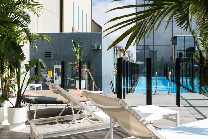 Отель Adelphi с бассейном на крыше в Мельбурне (фото 4)