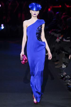 Показ Giorgio Armani Privé коллекции сезона Весна-лето 2011 года Haute couture - www.elle.ru - Подиум - фото 214979