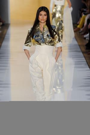 Показ Alexander Vauthier коллекции сезона Осень-зима 2012-2013 года haute couture - www.elle.ru - Подиум - фото 404491