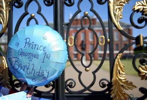 Итоги года 2014: лучшие фото Кейт Миддлтон и принца Уильяма | галерея [4] фото [3]
