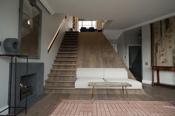 Лондонская квартира с деревянной лестницей от Deca Architecture (фото 0)