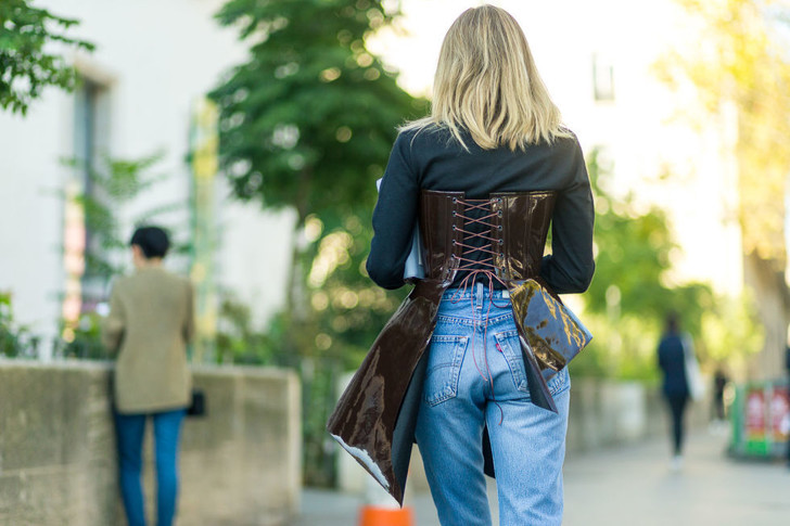 Как носить корсет этой весной?