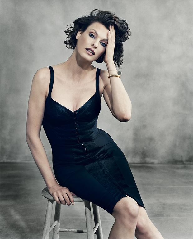 Линда Евангелиста (49 лет) стала лицом тонального крема Perfect Reveal Lift, Dolce & Gabbana