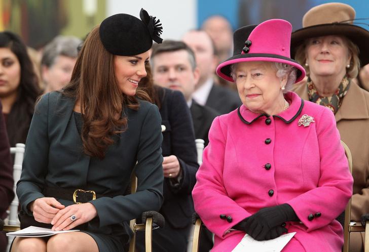Кейт Миддлтон и Елизавета II фото