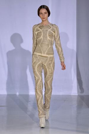 Показ  коллекции сезона Осень-зима 2011-2012 года Haute couture - www.elle.ru - Подиум - фото 276980
