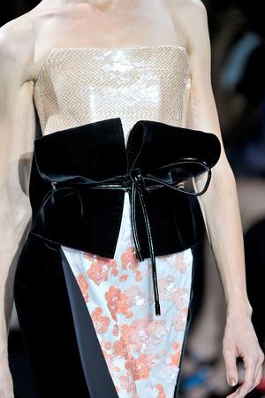 Показ Giorgio Armani Privé коллекции сезона Осень-зима 2011-2012 года haute couture - www.elle.ru - Подиум - фото 277718