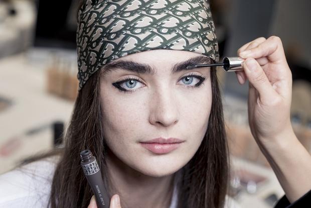 Самый модный макияж будущего сезона по версии Dior (фото 10)