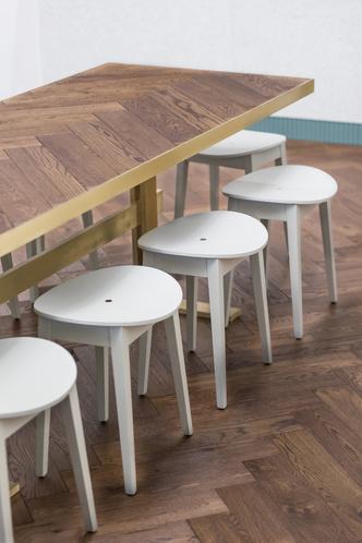 Пражское кафе в приглушенных тонах (фото 10.2)
