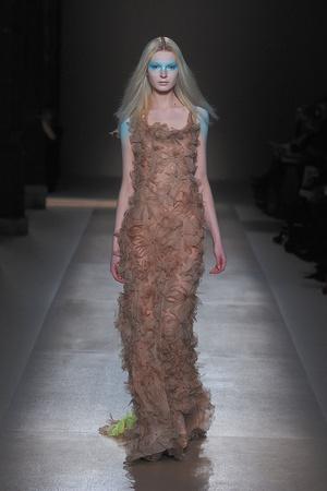Показ Valentino коллекции сезона Весна-лето 2010 года Haute couture - www.elle.ru - Подиум - фото 139285