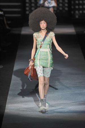 Показ Louis Vuitton коллекции сезона Весна-лето 2010 года Prêt-à-porter - www.elle.ru - Подиум - фото 122792