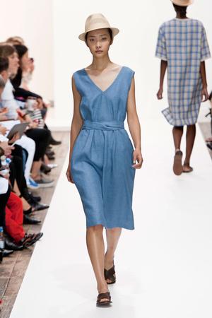 Показы мод Margaret Howell Весна-лето 2014 | Подиум на ELLE - Подиум - фото 3596