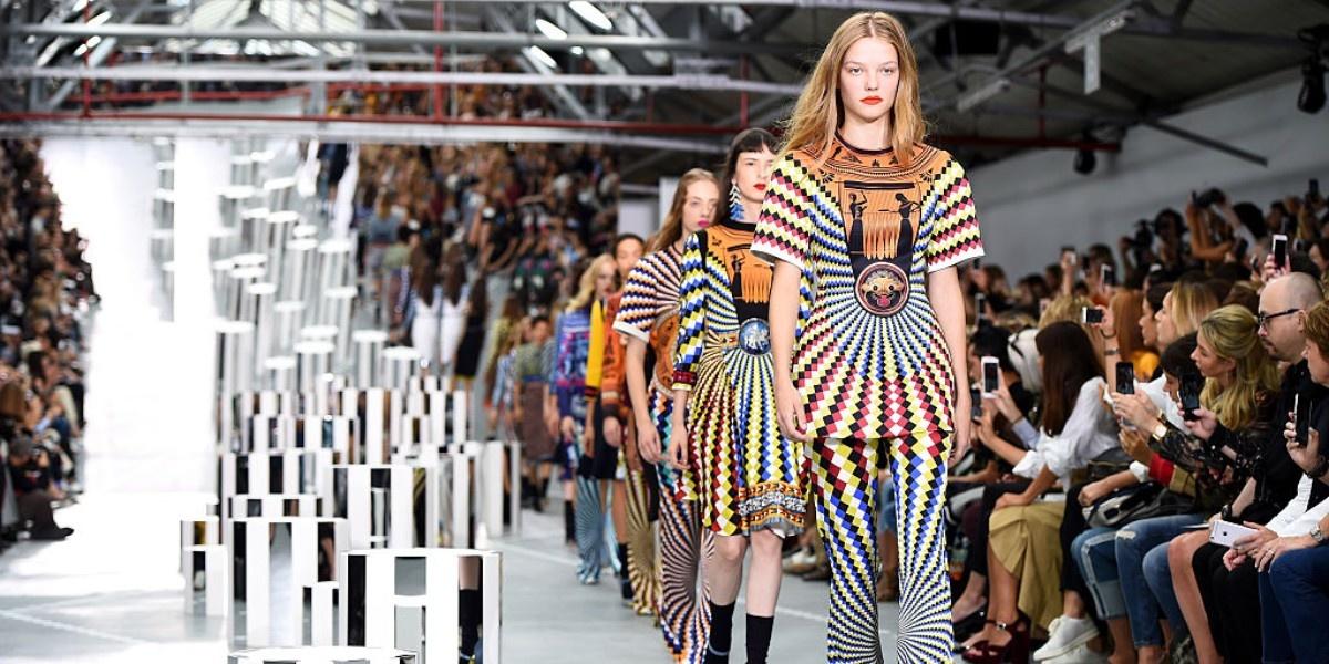 5 фактов о будущей Неделе моды в Лондоне   Новости на www.elle.ru ec1a7b7c1a5
