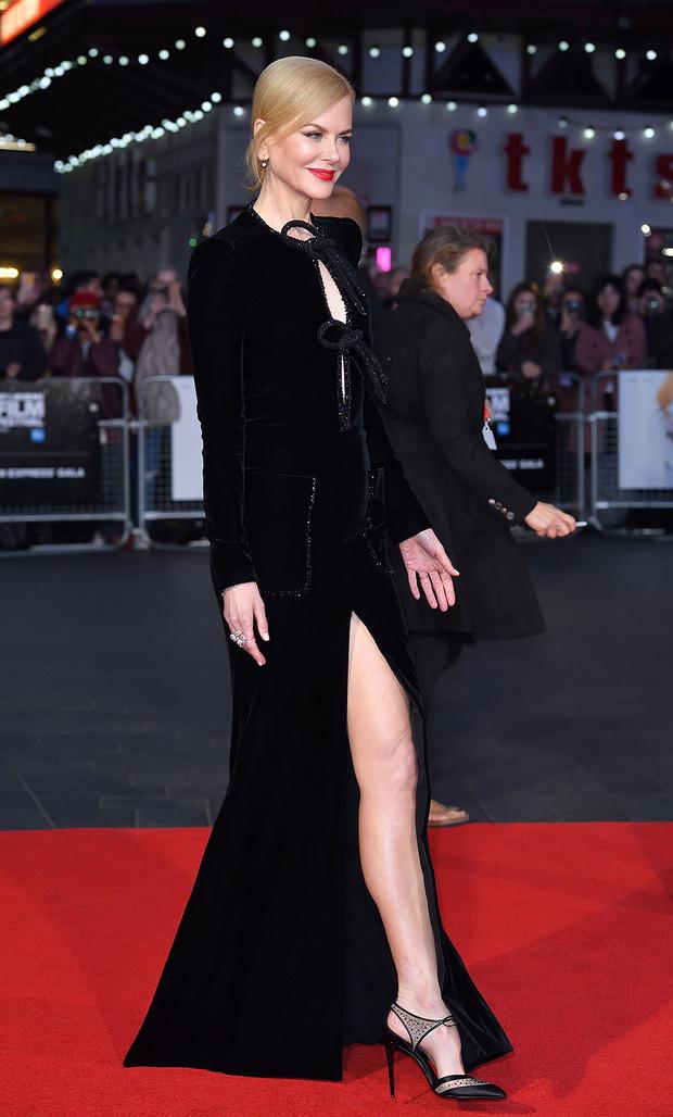 В платье Armani Privé, 2016 год