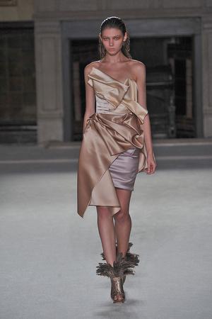 Показы мод Roksanda Ilincic Весна-лето 2010 | Подиум на ELLE - Подиум - фото 3001