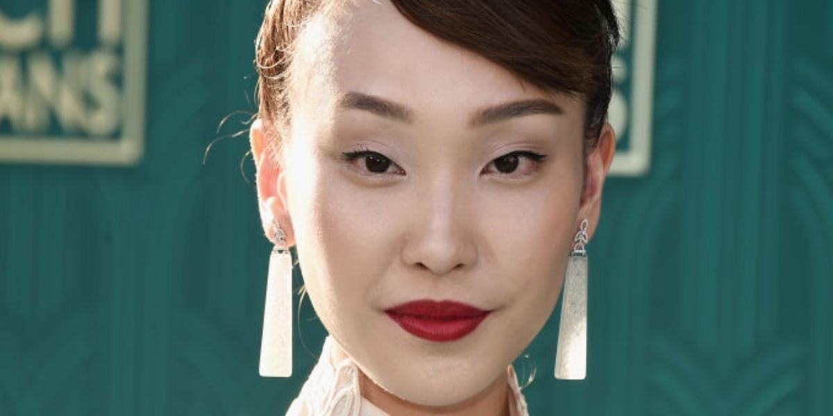 «Безумно богатые азиаты»: макияж и укладки