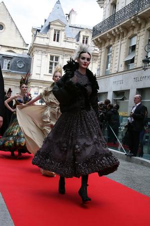 Показ Jean Paul Gaultier коллекции сезона Осень-зима 2011-2012 года Haute couture - www.elle.ru - Подиум - фото 278976