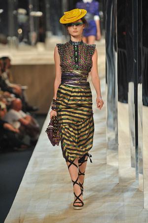 Показы мод Marc Jacobs Весна-лето 2009 | Подиум на ELLE - Подиум - фото 3456