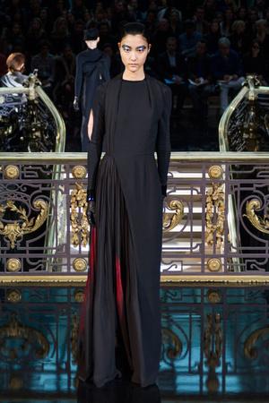 Показы мод John Galliano Осень-зима 2013-2014 | Подиум на ELLE - Подиум - фото 606