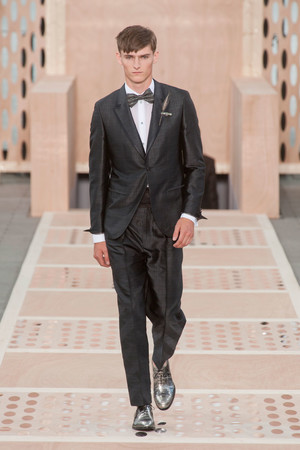 Показ Louis Vuitton коллекции сезона Весна-лето 2014 года Men prêt-à-porter - www.elle.ru - Подиум - фото 556988