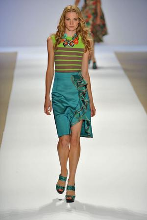 Показ Nanette Lepore коллекции сезона Весна-лето 2009 года prêt-à-porter - www.elle.ru - Подиум - фото 75005