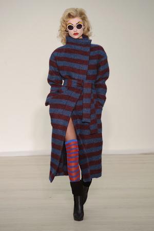 Показ Vivienne Westwood Red Label коллекции сезона Осень-зима 2013-2014 года Prêt-à-porter - www.elle.ru - Подиум - фото 502499