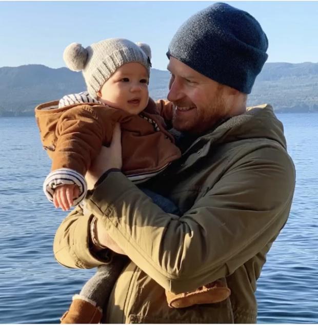 Как же это мило: Меган Маркл опубликовала сентиментальное фото мужа и сына (фото 1)