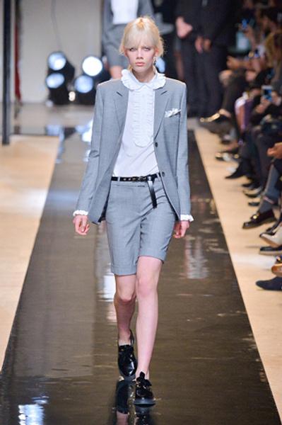Неделя моды в Париже: показы Alexander McQueen и Paul & Joe ready-to-wear осень — зима 2015-2016 | галерея [2] фото [6]