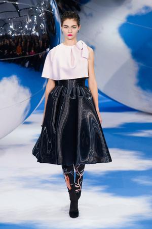 Показ Christian Dior коллекции сезона Осень-зима 2013-2014 года prêt-à-porter - www.elle.ru - Подиум - фото 536962