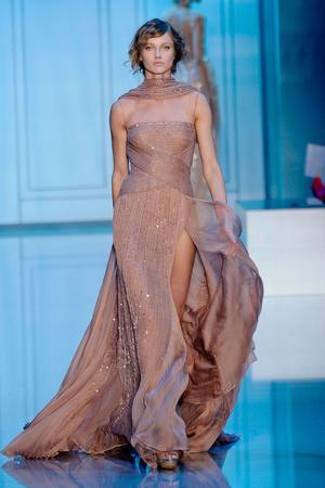 Показ Elie Saab коллекции сезона Осень-зима 2011-2012 года haute couture - www.elle.ru - Подиум - фото 278796