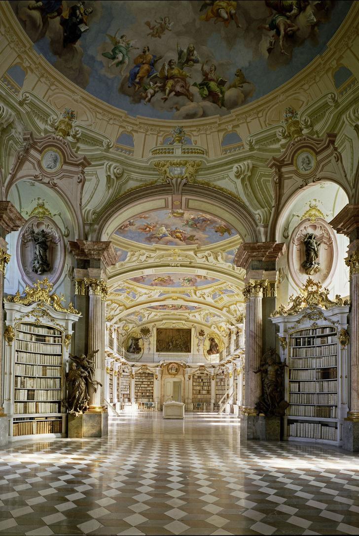 Самые потрясающие библиотеки мира (фото 5)