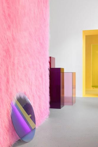 Желтые стены и розовый мех: шоу-рум в Ростове-на-Дону (фото 6.2)