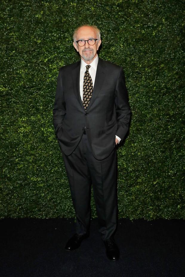 От Леонардо Ди Каприо до Хоакина Феникса: уроки мужского стиля главных номинантов на «Оскар» (фото 19)