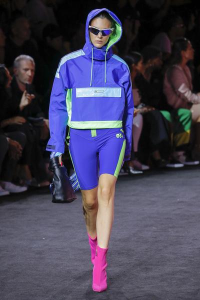 Показ Рианны на New York Fashion Week: как это было | галерея [1] фото [3]