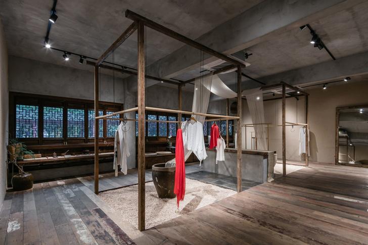 Брутальный офис и бутик в Шанхае (фото 10)
