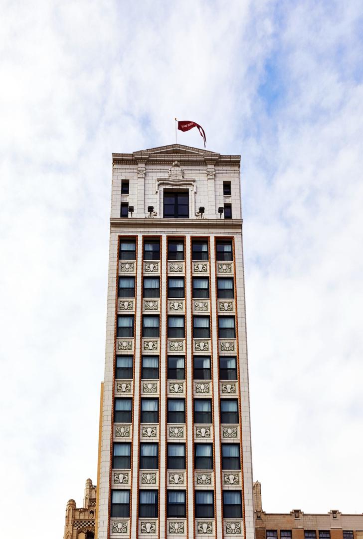 The Siren Hotel открылся в легендарном небоскребе Детройта (фото 0)