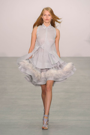 Показы мод Antonio Berardi Весна-лето  2017 | Подиум на ELLE - Подиум - фото 4627