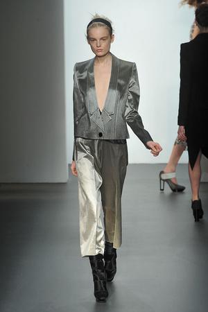 Показы мод Calvin Klein Осень-зима 2009-2010 | Подиум на ELLE - Подиум - фото 3243
