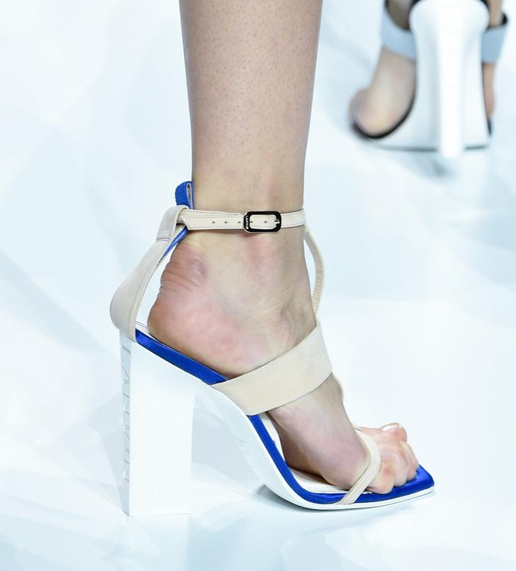 Обувь на Неделе моды в Париже, которую вы будете носить весной фото [8]