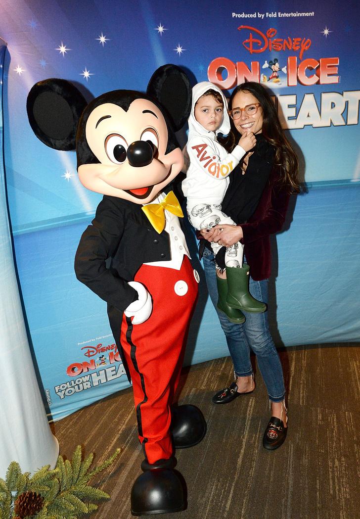 Мила Кунис, Кристина Агилера и другие звезды на ледовом шоу Disney (фото 5)