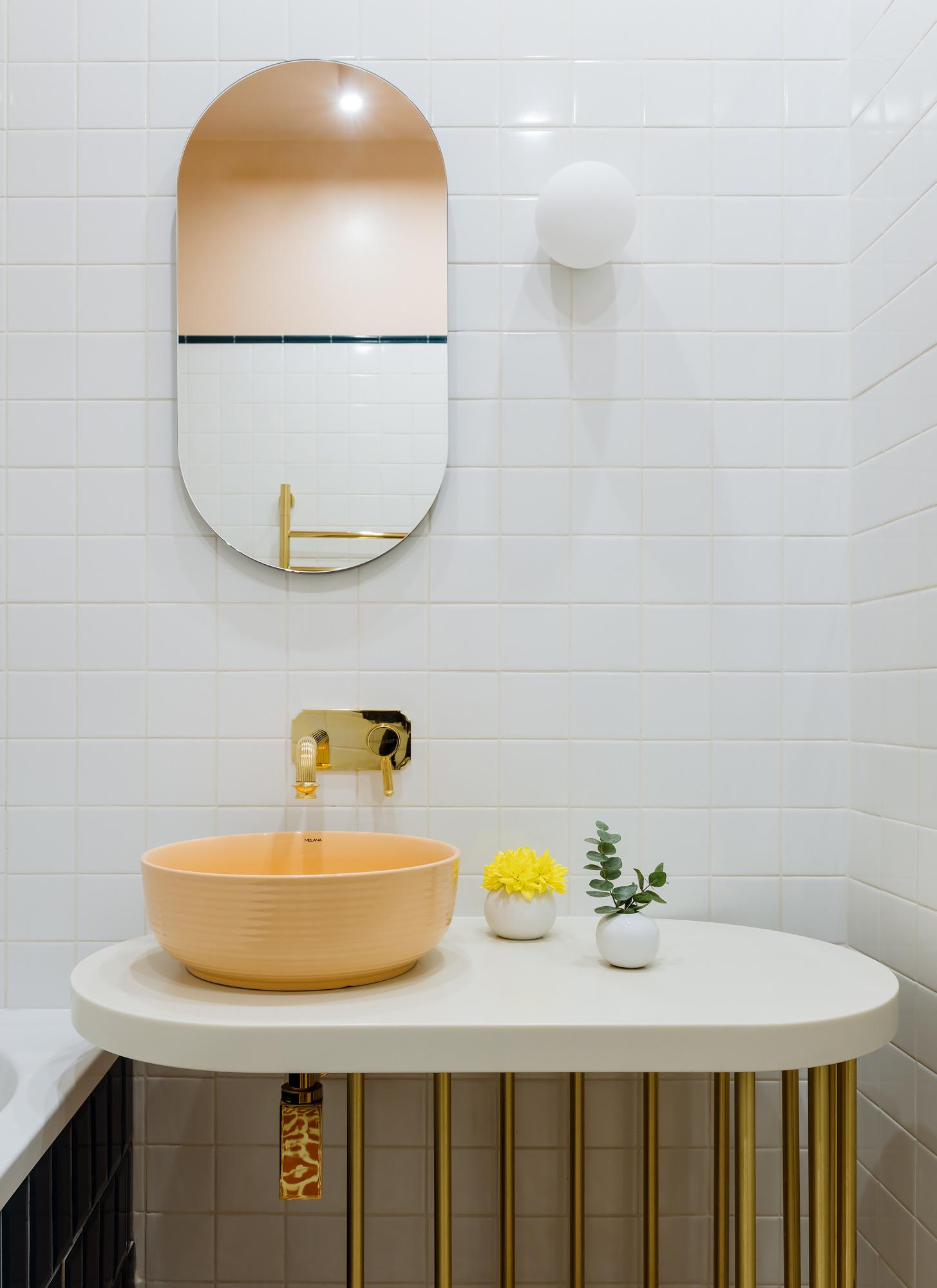 Квадратная белая плитка в интерьере: 30+ примеров (галерея 1, фото 5)