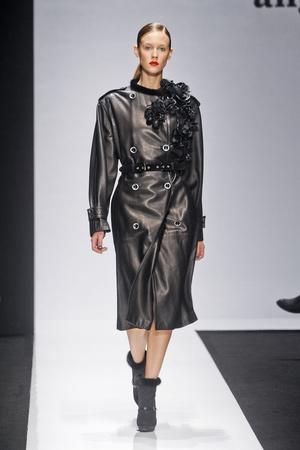 Показы мод Angelo Marani Осень-зима 2012-2013 | Подиум на ELLE - Подиум - фото 1539