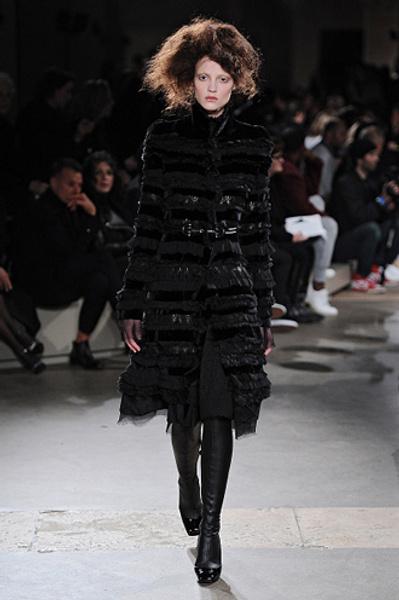 Неделя моды в Париже: показы Alexander McQueen и Paul & Joe ready-to-wear осень — зима 2015-2016 | галерея [1] фото [4]