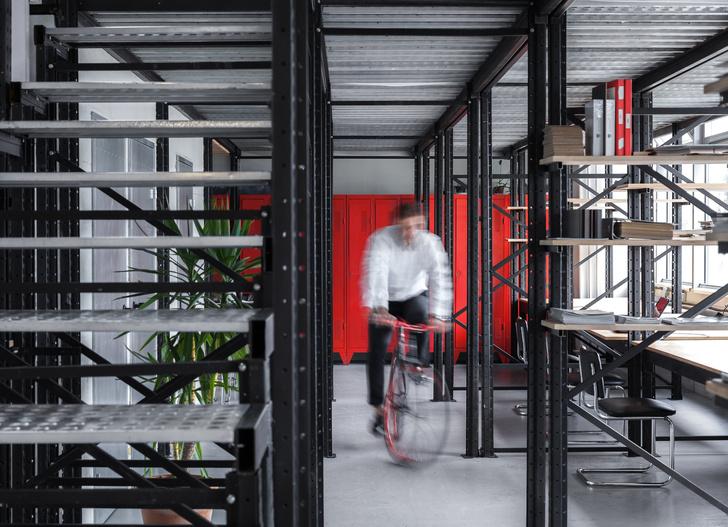 Киевский офис в индустриальном стиле (фото 0)