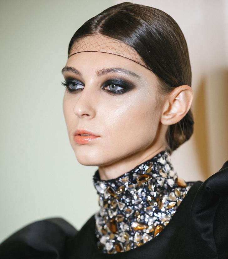 Шик и блеск: три варианта новогоднего макияжа (фото 17)