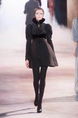 Показ Ulyana Sergeenko коллекции сезона Осень-зима 2013-2014 года Haute couture - www.elle.ru - Подиум - фото 556275