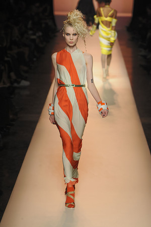 Показы мод Jean Paul Gaultier Весна-лето 2010 | Подиум на ELLE - Подиум - фото 2936
