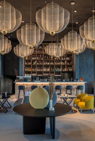 Monograph: дизайн-отель с баром и рестораном в Тбилиси (фото 12.1)